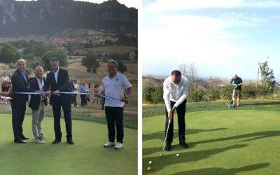 Inaugurato ieri il nuovo Golfdrome di San Marino. Il Segretario di Stato per il Lavoro e lo Sport Teodoro Lonfernini taglia il nastro e dà il via all'attività dell'impianto.